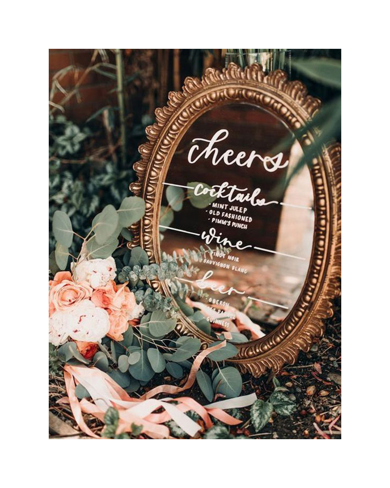 mirror-decor-for-vintage-wedding.jpg